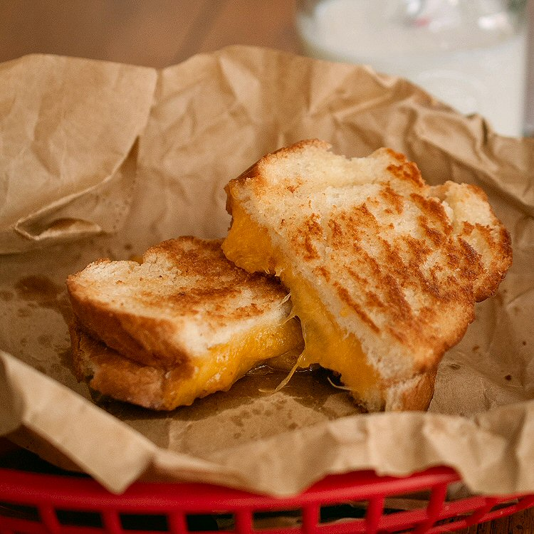 Making The Perfect Grilled Cheese Sandwich