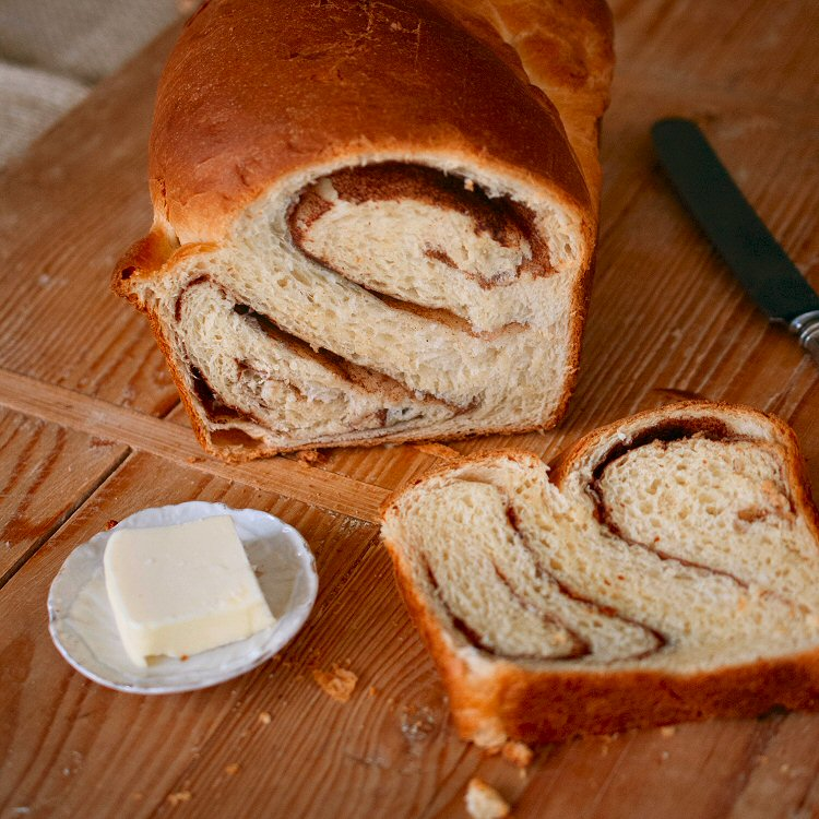 Homemade Cinnamon Bread - EntertainingCouple.com