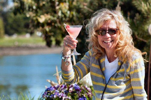 The Hostess' Summer Addiction
