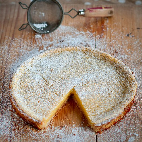Lemon Tart with Powdered Sugar