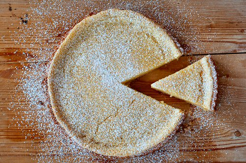 Lemon Tart with Slice