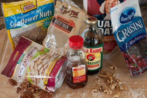 Homemade Granola – A Dine and Dash Breakfast