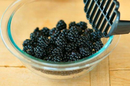 Lemon Blackberry Ice Cream
